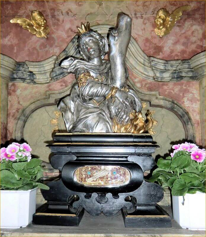 Reliquiar in der Basilika St. Peter in Dillingen