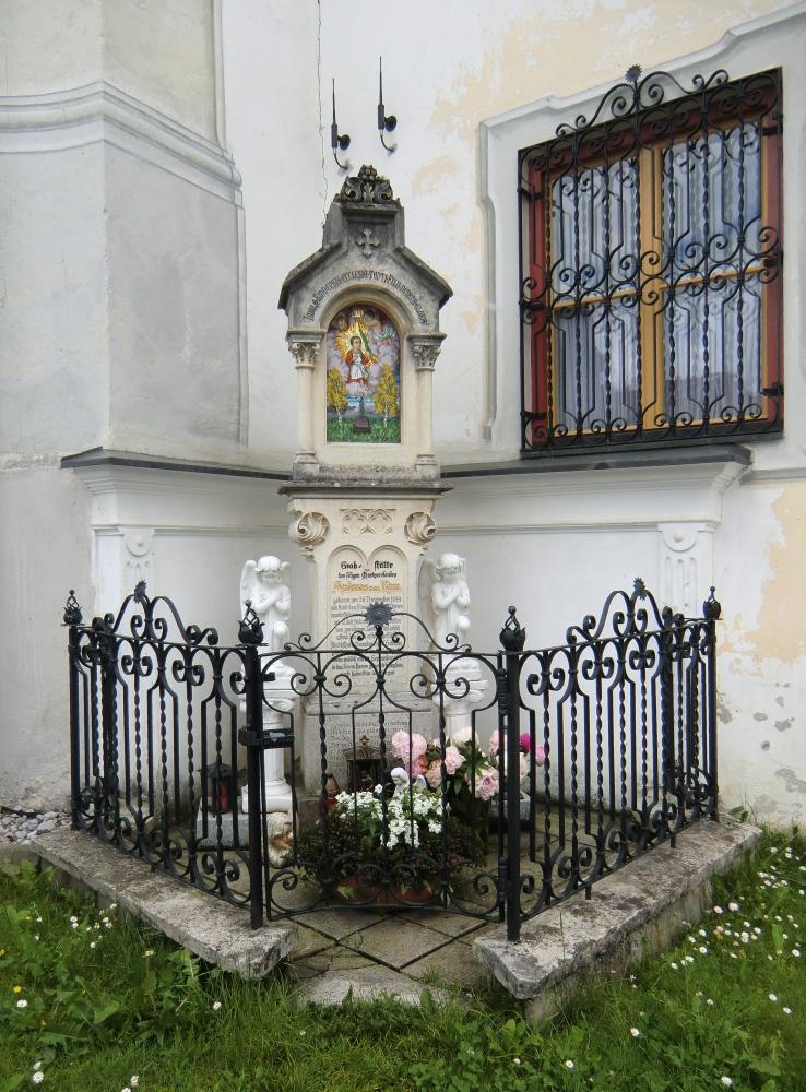 Andreas' Grab an der Pfarrkirche in Rinn bei Innsbruck