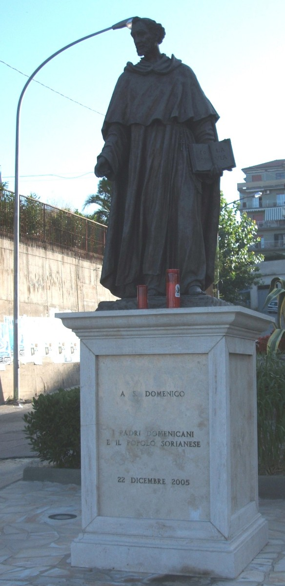 Dominikus-Statue, 2005, in Soriano