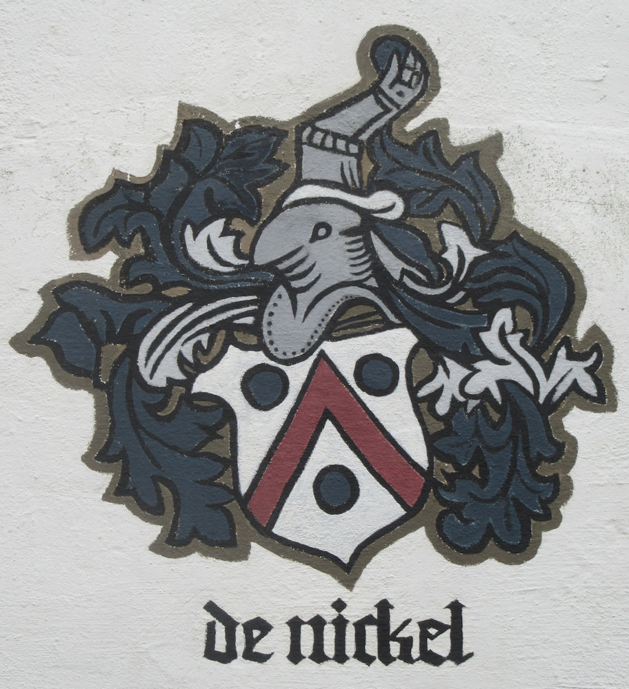 Familienwappen am Nickels-Hof in Koslar