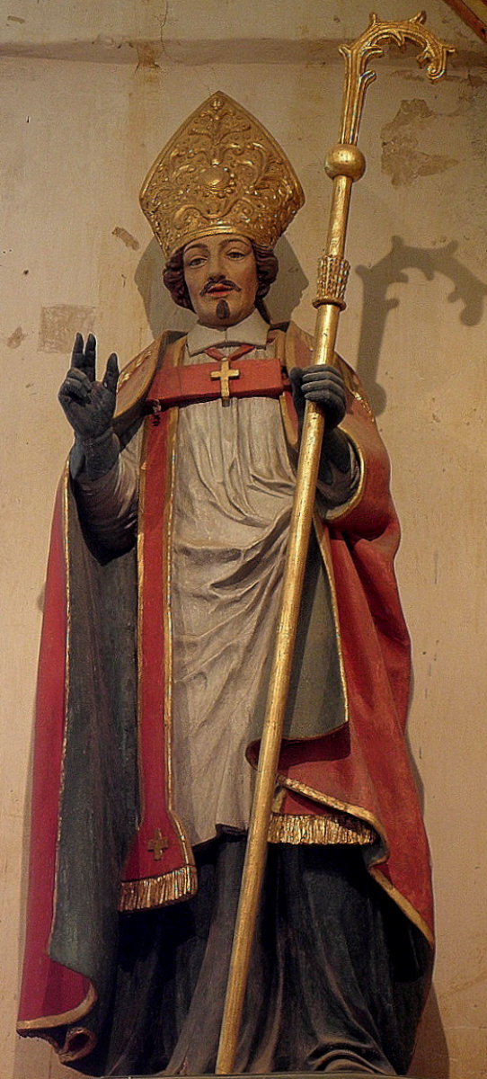 Statue in der Kapelle Saint-Jaoua in Plouvien