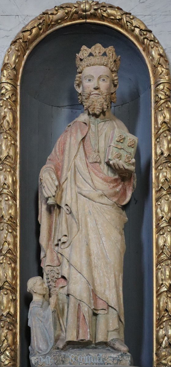 Statue im Kloster Paimpont