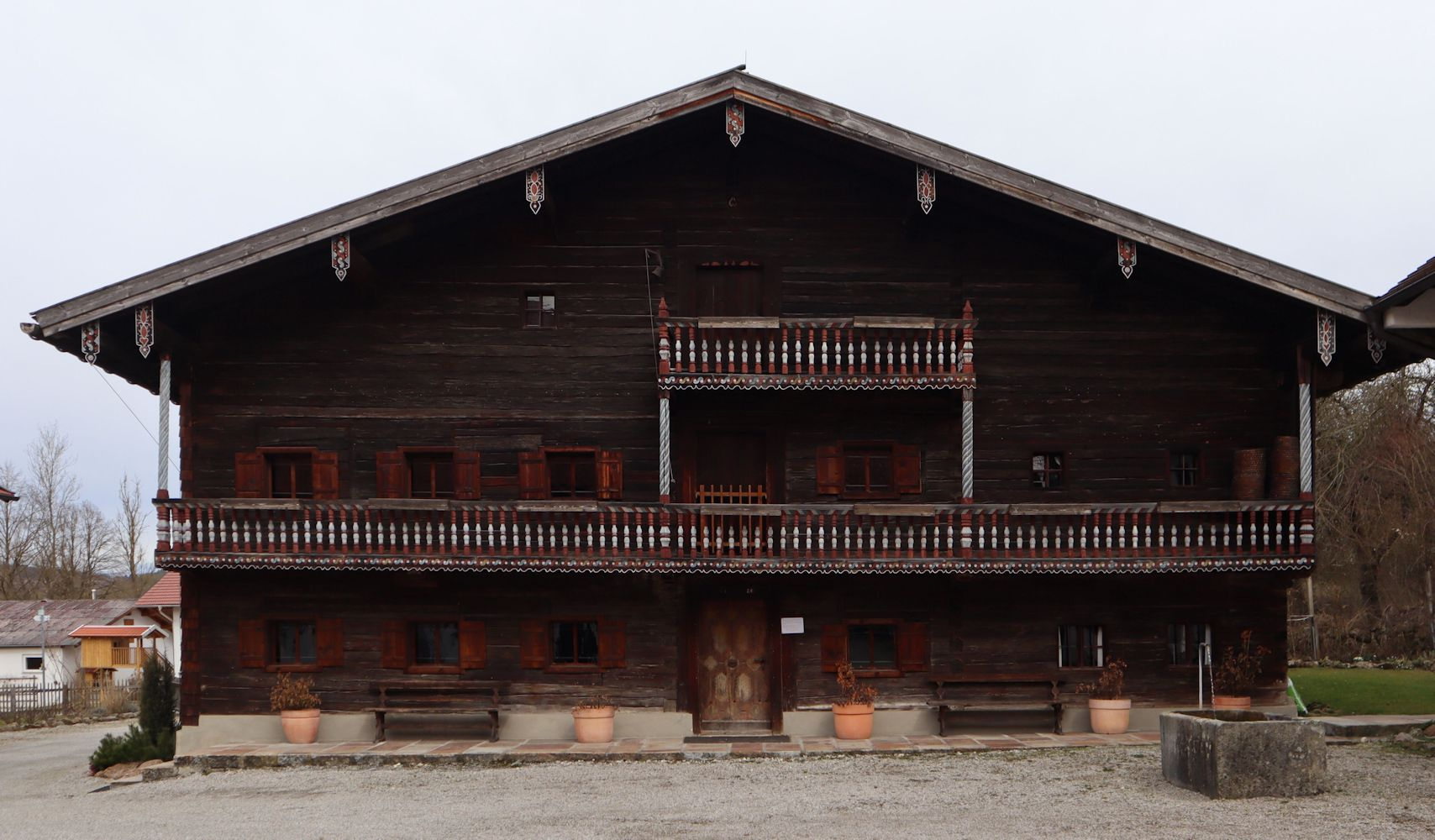Konrads Elternhaus (links) in Parzham