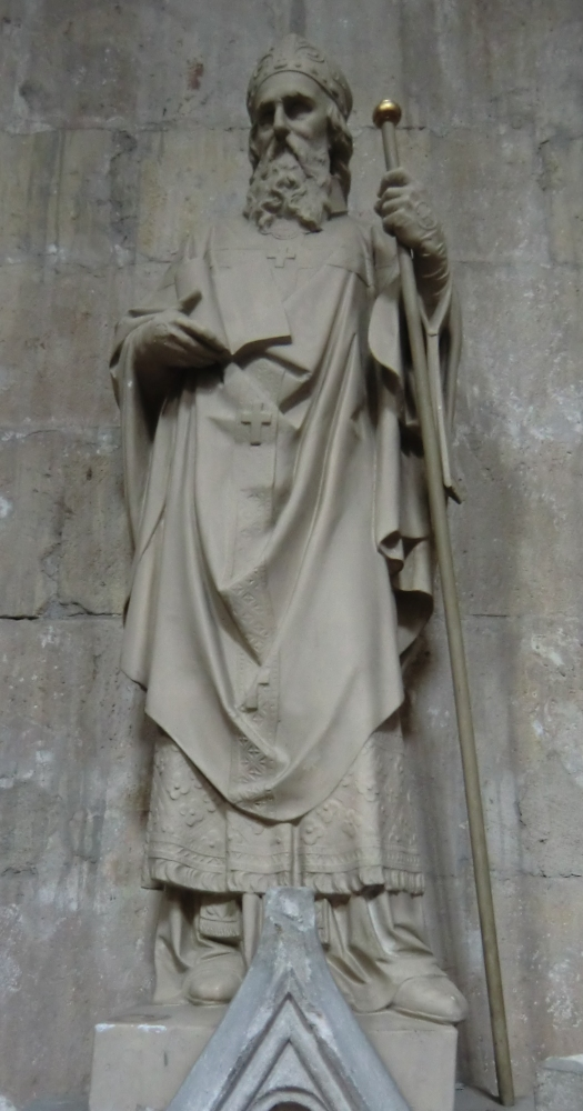 Statue in der Kathedrale in Vienne