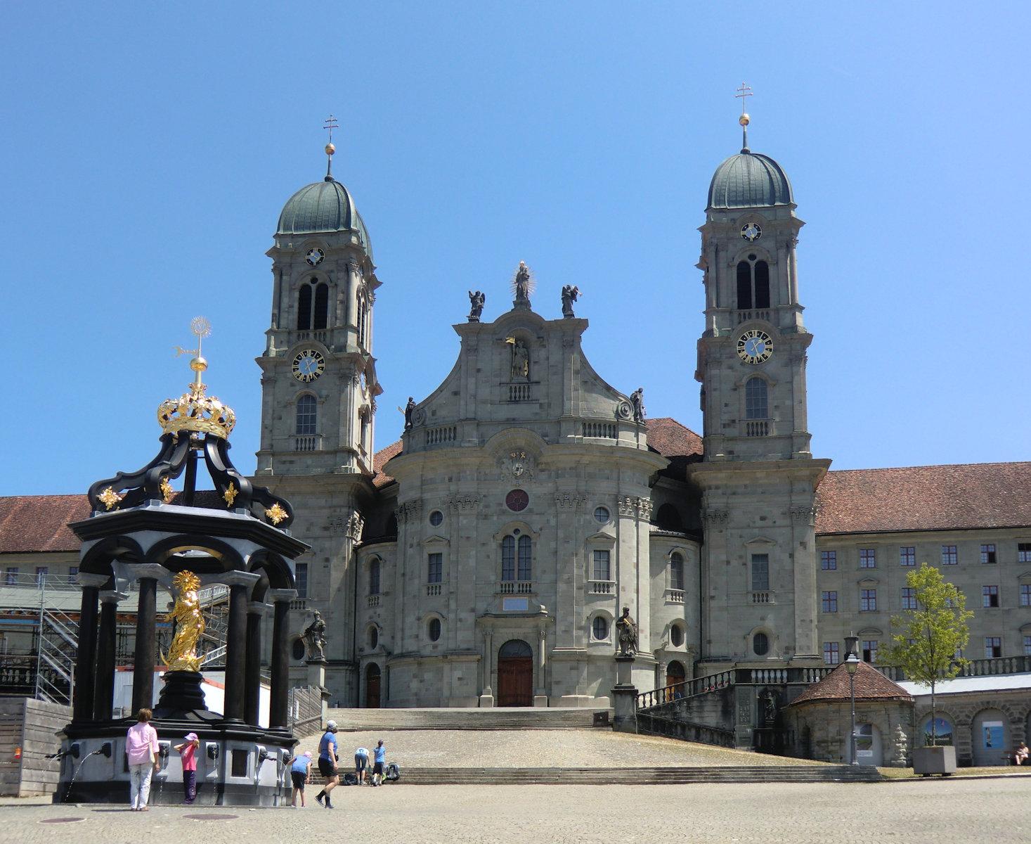 http://www.heiligenlexikon.de/Fotos/Meinrad-Einsiedeln.jpg