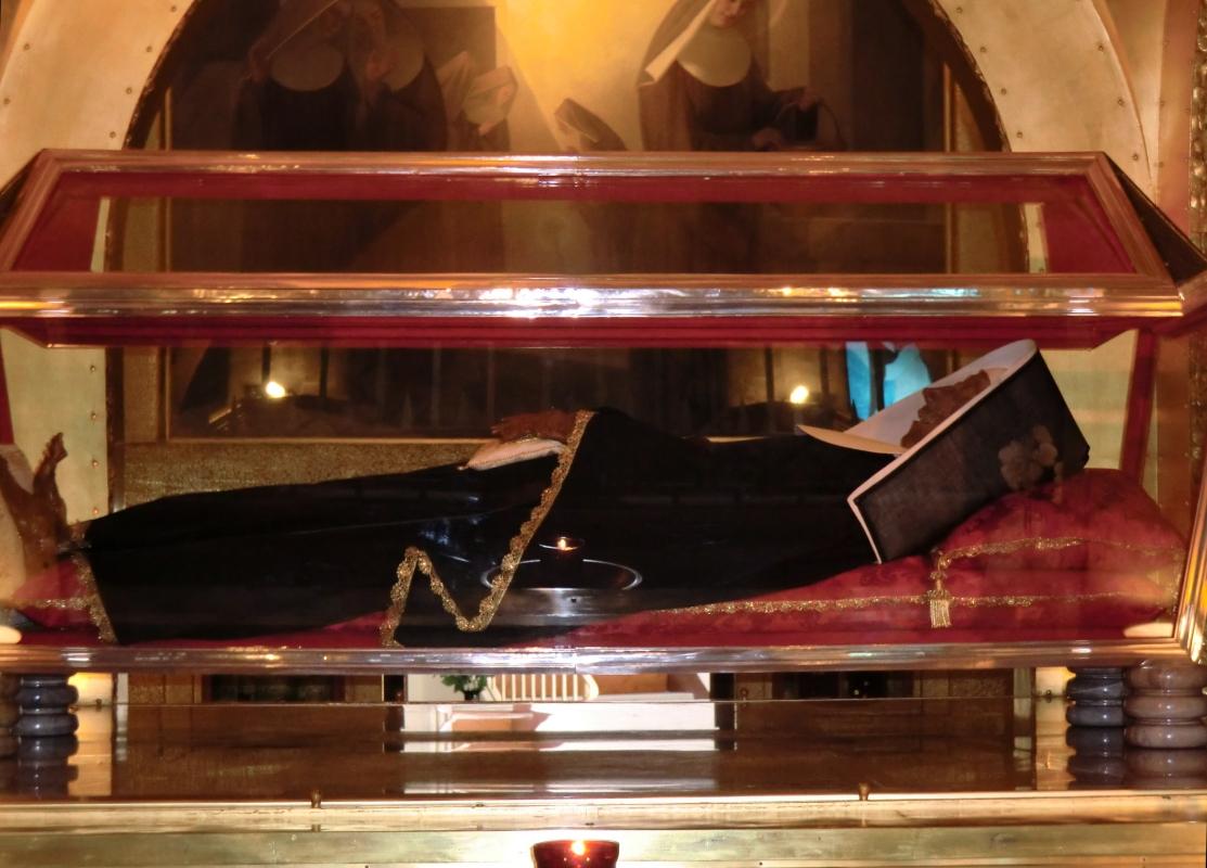 Ritas unverwester Leichnam in der Basilika in Cascia