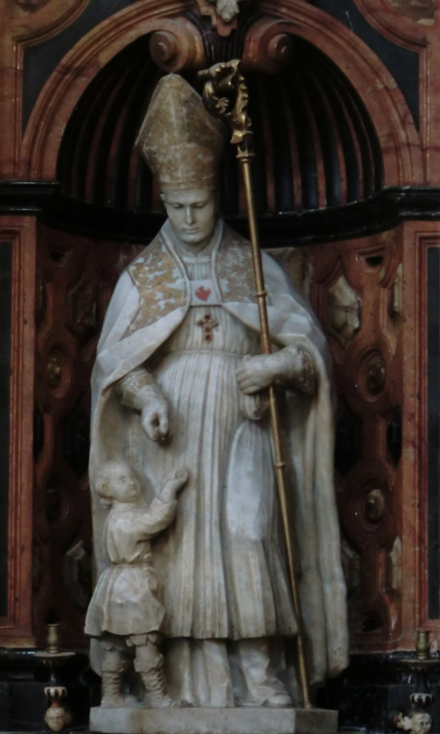 Statue in der Kathedrale in Granada