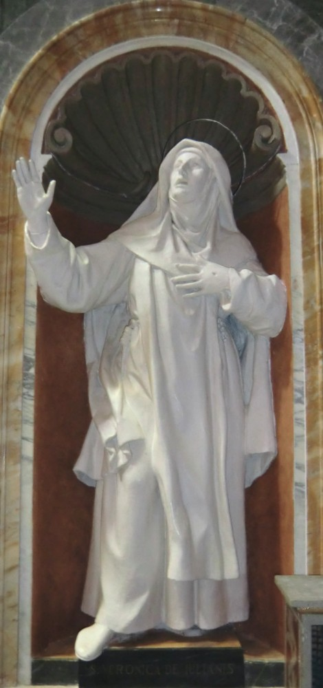 Statue in der Kathedrale San Catervo in Tolentino